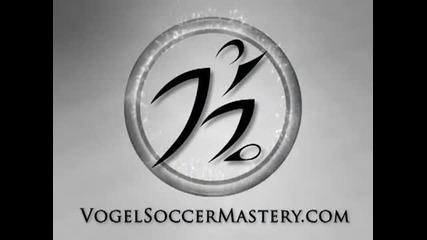 Как да вдигнете топката за жонглиране с горната част на крака- Уроци за начинаещи