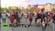 Germany: Thousands of pro-refugee protesters march against LEGIDA demo
