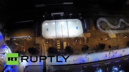 В Москва бе открита най-голямата изкуствена ледена пързалка.