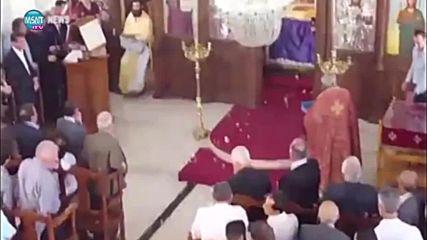 Кипърски поп изтрещя на Христово Възкресение в Кипър