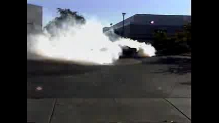 Chevrolet Camaro Burnout