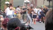 Невероятно акробатно шоу на улицата