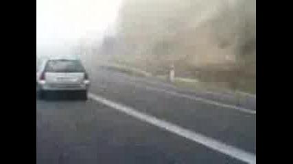 Идиоти На Пътя - Шофиране По Време На Мъгла