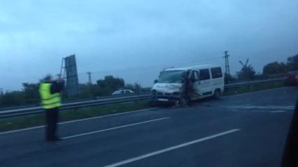 """""""Моята новина"""": Три коли катастрофираха на пътя София-Варна"""