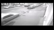 Кола катастрофирва в паркирани коли!!!