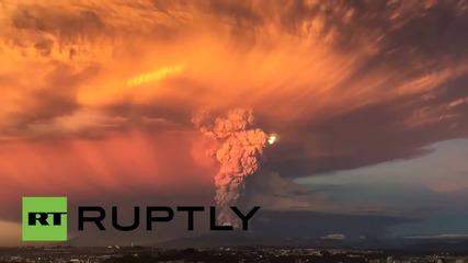 Вулканът Калбуко в Чили изригна изненадващо