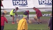 Деца от школата на Локомотив София чистят терена с метли