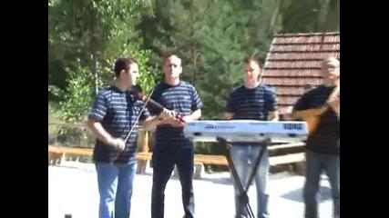 Braca Tuholjakovic i jarani - Nema brata dok ne rodi majka - (Official video 2009)