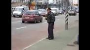 Пиян Руски Милиционер - Нормално За Руското Ежедневие
