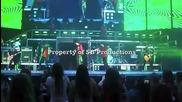 Опитаха се да ударят Justin Bieber с яйце докато беше на сцената