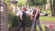 Ето какви ги върши най - щурият полицай ... Скрита Камера
