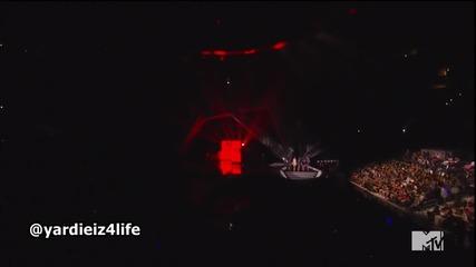 Alicia Keys & Nicki Minaj - Girl On Fire ( Live on Mtv Vma 2012 )