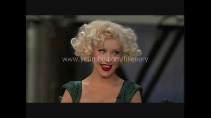 Christina Aguilera калне в ефир Lady Gaga