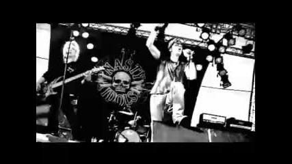 Nasty Idols - The Way Ya Walk