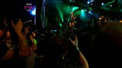 [hd] Rihanna - Disturbia (r1bw 2010) (720p)