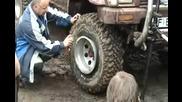 Хитър начин за напомпване на гума!
