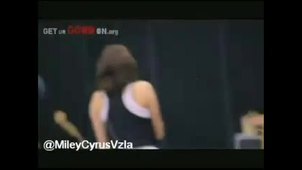 За Първи Път В Сайта !!! Miley Cyrus & Hilary Duff - Global Action Awards (gaf) 2011