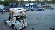 Scania прави готин дрифт !!!