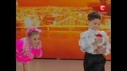 Невероятно изпълнение на деца - акробати
