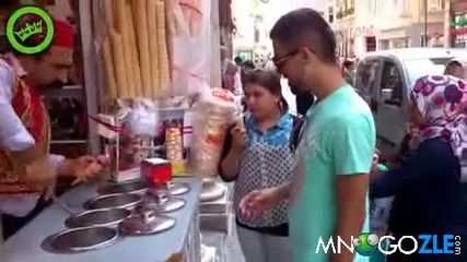 сладоледаджия в Турция - лудите номера