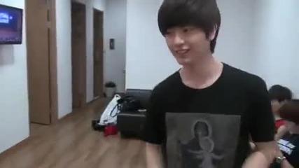 Btob's backstage video imitating Exo's Wolf.