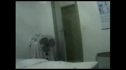 Крадец в стаята 6