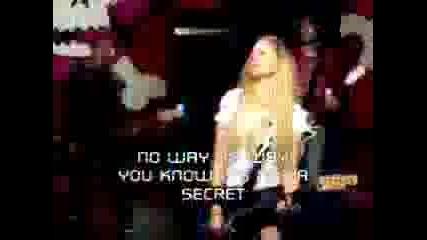 Avril Lavigne - Girlfriend (karaoke)