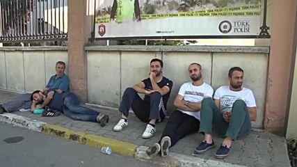 Турци празнуват в Истанбул осуетяването на държавния преврат