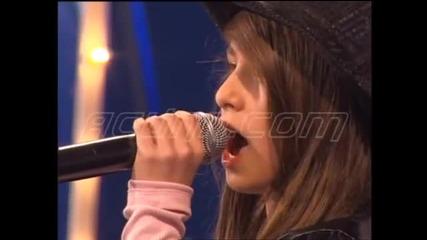 12-годишно момиче с прекрасен глас
