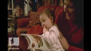 Бебе си мисли,че може да яде храна от списание