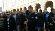Служители на МВР протестират пред Министерски съвет