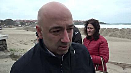 Напрежение в Созопол заради изграждането на защитни диги на централния плаж в града