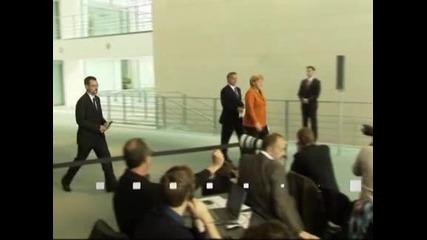 Меркел обеща да подсили потреблението в Германия, за да подкрепи еврото