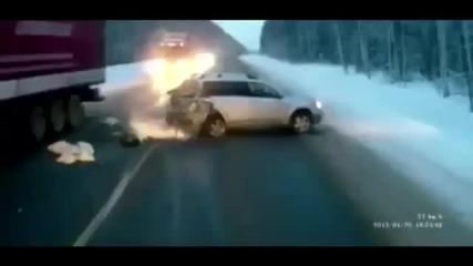 Чудо! Видео с тази катастрофа шокира света