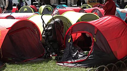 France: Around 400 homeless people set up tents in Paris square to demand accommodation