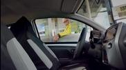 Луда шега! .. Кой управлява колата?