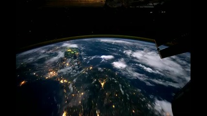 Ето това е чувстсвото да летиш около планетата Земя