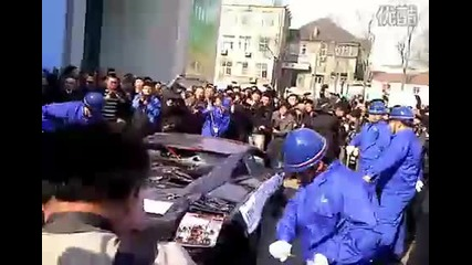 Китайци трошат lamborghini Gallardo