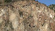 Събарят скали в Кресненското дефиле