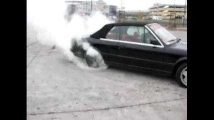 Бмв Cabrio 335 си пали гумите