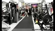 Дивашки тренировки на звездата Силвестър Сталоун за филма му Непобедимите 1