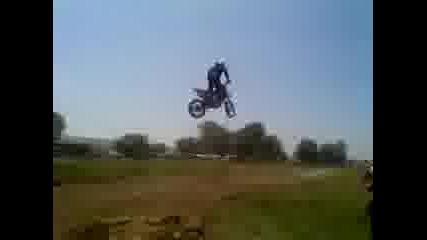 Много луд скок