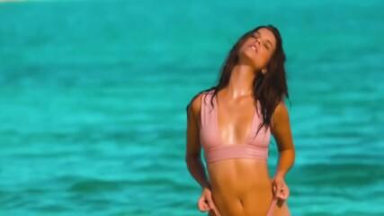 Барбара Палвин - унгарската красавица и нейните секси извивки