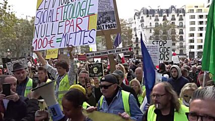 France: Yellow Vests gather for new round of anti-govt protests in Paris