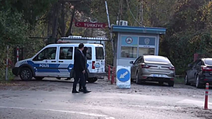 Turkey: IS suspect denied entry by Greece stranded on border