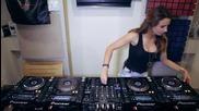 Мацето Juicy M Mixing се справя супер и на 4 пулта