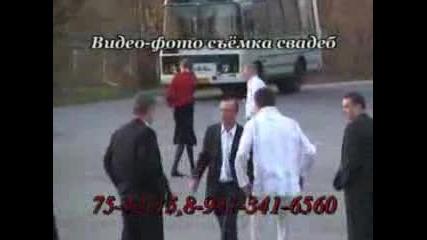 Много смях! Бой между руснаци на сватба!!