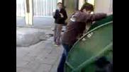 kalofer - Ivancho si tursi obuvkite v konteiner(smqh)