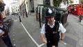 Полицай спира велосипедист но се обърква