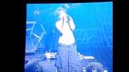 Kelly Clarkson - Addicted Live